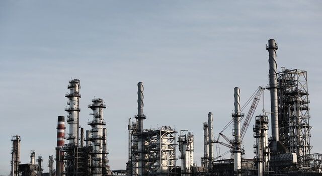 Olieprisen falder